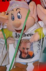 05-01-2003 NED: Europees Kampioenschappen Allround, Heerenveen<br /> Oranje support publiek toeschouwers, Jochem Uytdehaage