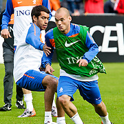 AUS/Seefeld/20100529 - Training NL Elftal WK 2010, Wesley Sneijder in duel met Giovanni van Bronckhorst