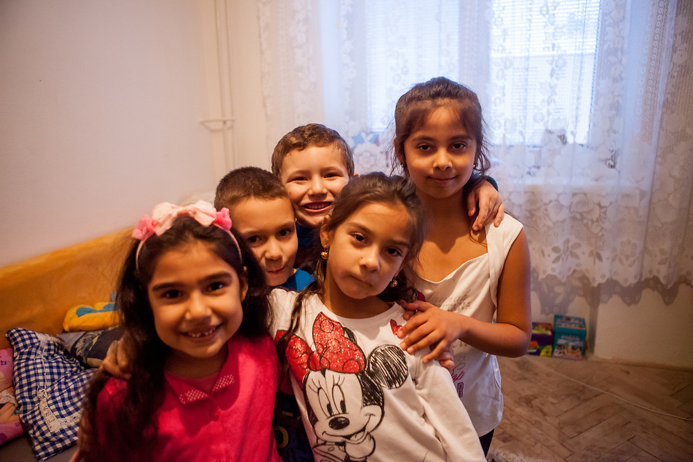 Aneta, Justin, Richard, Nikola and Anastazie (from left) playing and having fun during a meeting with volunteers and mothers with their children for consultation and data collection regarding school enrolments in Ostrava. The meeting was in a volunteers flat.