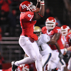 Oct 16, 2009; Piscataway, NJ, USA; Rutgers wide receiver Mohamed Sanu (6) makes a catch during second half NCAA football action in Pittsburgh's 24-17 victory over Rutgers at Rutgers Stadium.