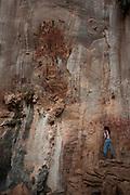 Januaria_MG, Brasil...O Parque Nacional Cavernas do Peruacu abriga mais de 140 cavernas, uma tribo indigena, os Xakriabas e mais de 80 sitios arqueologicos catalogados. Na foto, pinturas rupestres, deixado pela populacao pre historica ha 11.000 anos em Januaria, Minas Gerais...Cavernas do Peruacu National Park , there are 140 caves and indigenous tribe, the Xakriaba and more than 80 archaeological sites cataloged. In the photo, cave painting by the prehistoric population 11,000 years ago in Januaria, Minas Gerais...Foto: LEO DRUMOND / NITRO