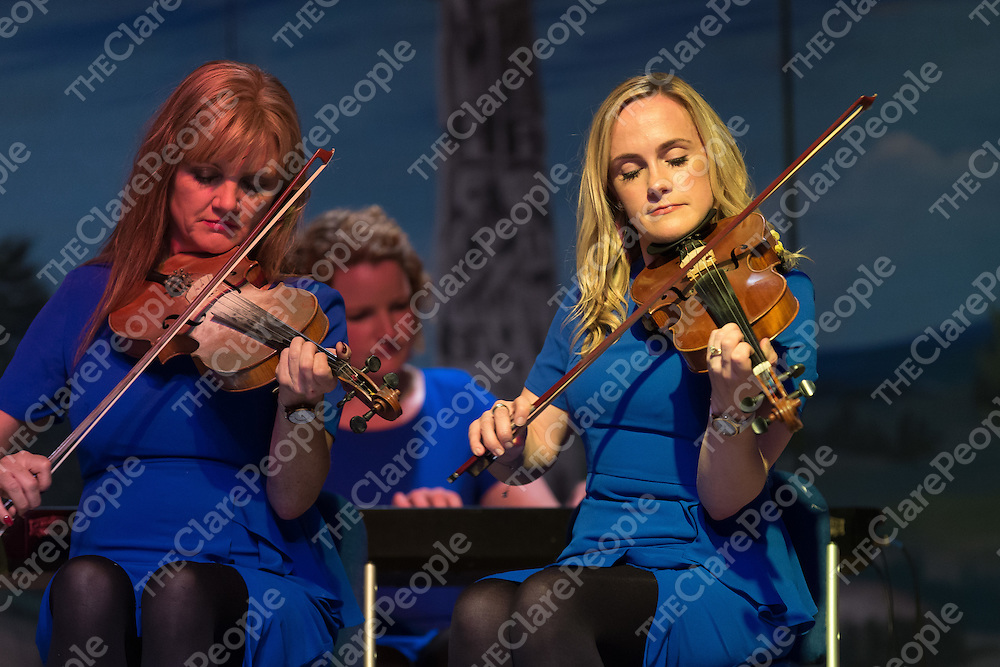Musicians Carmel O'Dea and AnnMarie McCormack from the Tulla Rd Ceili Band playing at the Fleadh Cheoil preview evening at Cois na hAbhna, Ennis