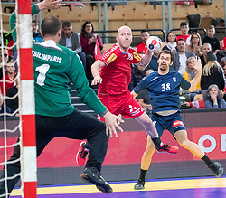 06.01.2019, Olympiaworld, Innsbruck, AUT, Österreich vs Griechenland, Continental Cup, im Bild v.l. Konstantinos Tsilimparis (GRE), Robert Weber (AUT), Efstathios Zampounis (GRE) // v.l. Konstantinos Tsilimparis (GRE), Robert Weber (AUT), Efstathios Zampounis (GRE) during the handball Continental Cup match between Austria and Griechenland at the Olympiaworld in Innsbruck, Austria on 2019/01/06. EXPA Pictures © 2019, PhotoCredit: EXPA/ Johann Groder