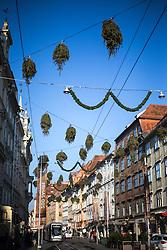 THEMENBILD - Verkehrt hängende Christbäume als Weihnachtsdekoration am 15. November 2016 in der Herrengasse in Graz // THEMES PICTURE - Christmas trees hanging upside down as christmas decoration on 15 November 2016 in Graz, Austria. EXPA Pictures © 2016, PhotoCredit: EXPA/ Erwin Scheriau