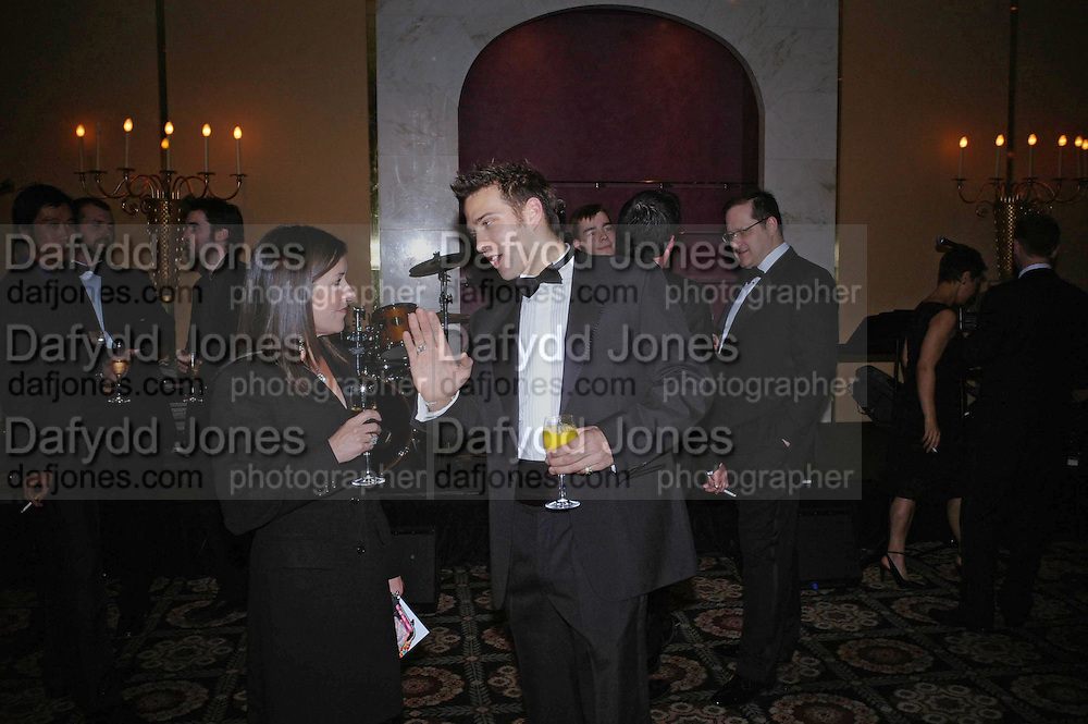 Victoria Hislop and Stefan Booth. Kensington and Chelsea LEPRA Committee Ball. Savoy. 21 April 2005. ONE TIME USE ONLY - DO NOT ARCHIVE  © Copyright Photograph by Dafydd Jones 66 Stockwell Park Rd. London SW9 0DA Tel 020 7733 0108 www.dafjones.com