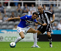 Photo: Jed Wee/Sportsbeat Images.<br /> Newcastle United v Sampdoria. Pre Season Friendly. 05/08/2007.<br /> <br /> Sampdoria's Gennaro Delvecchio (L) shields the ball from Newcastle's Stephen Carr.