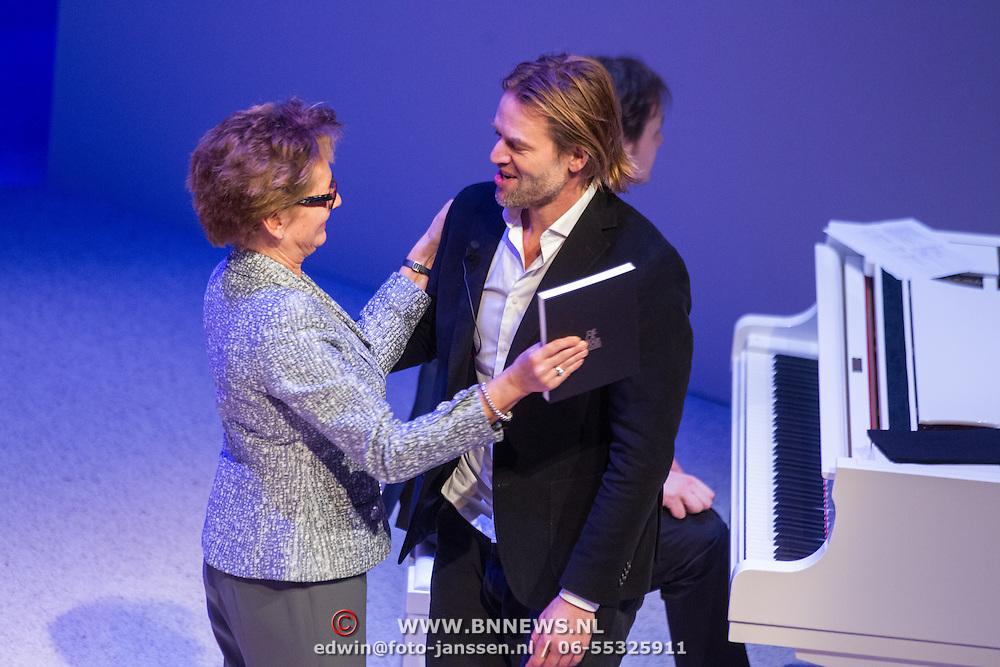 NLD/Amsterdam/20151123 - 5 jaar Delamar theater en 10 Jaar Van den Ende Foundation viering, Janine Klijburg en Jasper Krabbe