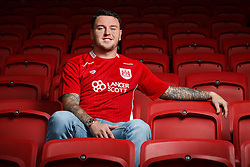Bristol City sign Lee Tomlin ahead of their 2016/17 Sky Bet Championship Campaign - Mandatory byline: Rogan Thomson/JMP - 04/07/2016 - FOOTBALL - Ashton Gate Stadium - Bristol, England - Bristol City New Signings.