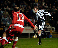 Photo. Jed Wee, Digitalsport<br /> Newcastle United v Olympiacos, UEFA Cup, 16/03/2005.<br /> Newcastle's Lee Bowyer scores.