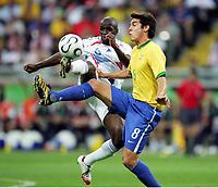 v.l. Claude Makelele, Kaka Brasilien<br /> Fussball WM 2006 Viertelfinale Brasilien - Frankreich<br />  Brasil - Frankrike <br /> Norway only