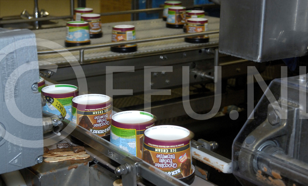 HELLENDOORN..Editie: NY.Ola/ijsfabriek daar maken ze ben en jerry ijsjes. techniekdag basisscholen leerlingen mogen een kijkje komen nemen bij ola...ffu press agency©2010Saskia Stegeman..