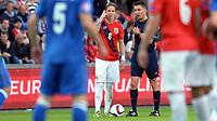 Fotball <br /> UEFA Euro 2016 Qualifying Competition<br /> 12.06.2015<br /> Norge v Aserbajdsjan / Norway v Aserbajdsjan 0:0<br /> Foto: Morten Olsen/Digitalsport<br /> <br /> Stefan Johansen - NOR<br /> Dommer Pawel Gil
