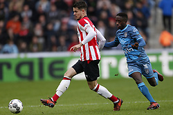 (L-R), Marco van Ginkel of PSV, Jamiro Monteiro Alvarenga of Heracles Almelo during the Dutch Eredivisie match between PSV Eindhoven and Heracles Almelo at the Phillips stadium on October 22, 2017 in Eindhoven, The Netherlands