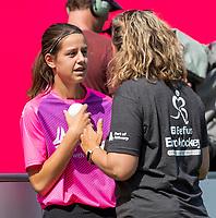 ANTWERP - BELFIUS EUROHOCKEY Championship.women  Ireland-Gemany (1-1).  Germany placed for semifinals .  ballgirl with volunteer  WSP/ KOEN SUYK