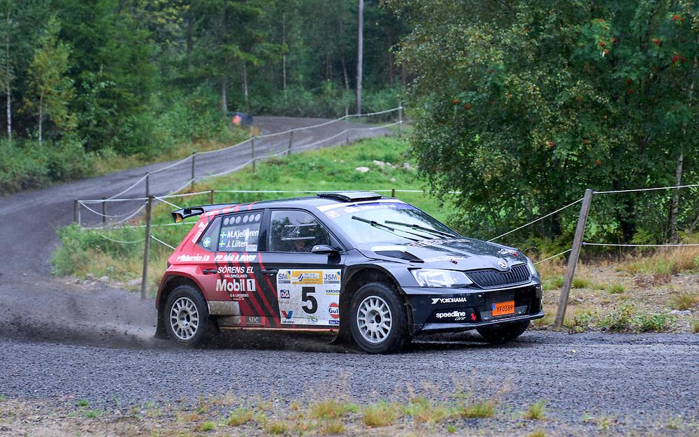 2021-08-27 ÄLMHULT<br /> South Swedish Rally 2021<br /> <br /> Jari LiitenSandvikens MK<br /> Mikael Kjellgren Hjo MK<br /> Škoda Fabia R5<br /> <br />  ***betalbild***<br /> <br /> Foto: Peo Möller<br /> <br /> South Swedish Rally 2021, rally, rallybil, grusväg, tävling, Älmhult, SM, deltävling, regn, Sydsvenska Rallyt 2021