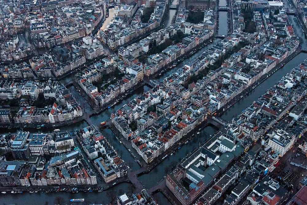 Nederland, Noord-Holland, Amsterdam, 16-01-2014;<br /> Close-up Amsterdam grachtengordel, centrum. Midden dwars door beeld de Leidsestraat. Van beneden naar boven Prinsengracht, Keizersgracht, Herengracht, Singel. (Piet Koopt Hoge Schoenen)<br /> Close-up Amsterdam: ring of canals, center, Leidsestraat .<br /> luchtfoto (toeslag op standard tarieven);<br /> aerial photo (additional fee required);<br /> copyright foto/photo Siebe Swart