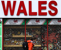 © Licensed to London News Pictures. 23/10/2020. Cardiff, UK. A Welsh gift shop closed in the city centre of Cardiff on the day that the Welsh Goverment's seventeen-day-long, 'Firebreak Lockdown' comes into action to try and control the spread of coronavirus across Wales. Photo credit: Robert Melen/LNP
