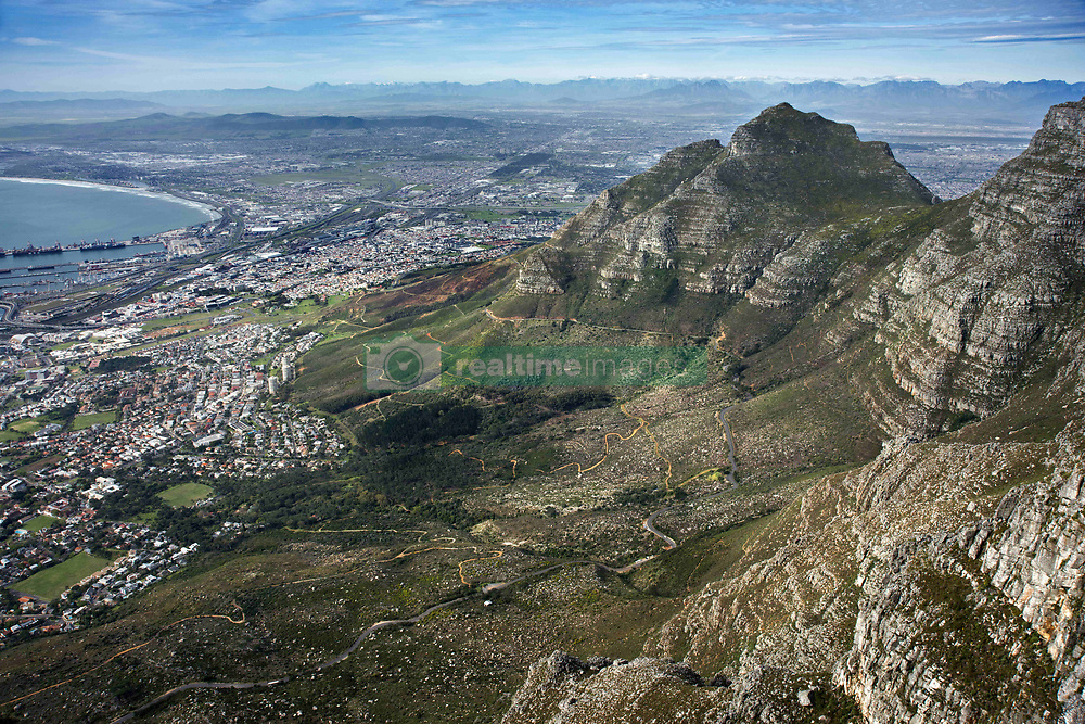 September 30, 2018 - South Africa - Table Mountain, view of Cape Town with Lion Head, Western Cape, South Africa (Credit Image: © Sergi Reboredo/ZUMA Wire)
