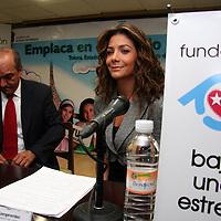 """Toluca, Mex.- Patricia Manterola, presidenta de la Fundación """"Baja una Estrella"""", a su llegada al evento """"Cambia tu placa por una Vida"""" donde el gobierno estatal insentiva a los automovilistas con matrícula de otra entidad, a cambiarlas por placas del estado para apoyar la lucha contra el cáncer infantil. Agencia MVT / Luis Enrique Hernandez V. (DIGITAL)<br /> <br /> <br /> <br /> NO ARCHIVAR - NO ARCHIVE"""