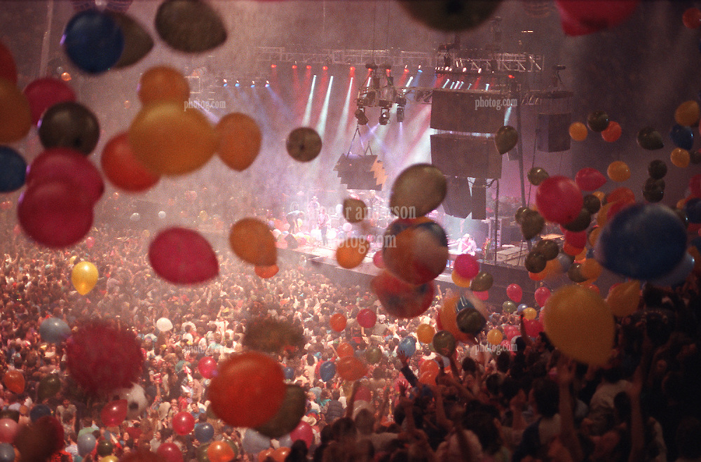 Huge Balloon Drop at the Grateful Dead New Years Eve Concert at the Stroke of Midnight. The San Francisco Civic Auditorium, 31 December 1984 into 1 January 1985. Balloons Drop as Third Set Begins. Shot on Color Negative Film, Kodak CM135-36.