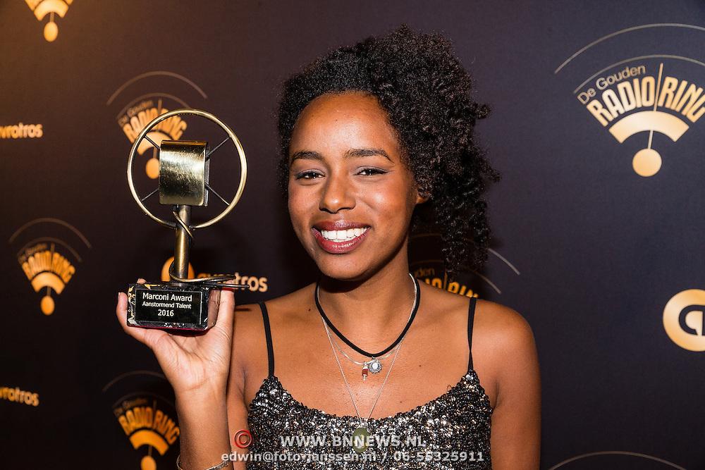 NLD/Hilversum/20170119 - Start inloop 11de Radio Gala 2016,Eva Cleven wint de Marconi Award voor aanstormend talent