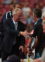 Photo: Tony Oudot. <br /> West Ham United v Manchester City. Barclays Premiership. 11/08/2007. <br /> Manchester City manager Sven Goran Eriksson shakes hands with the West Ham bench at the end of the match