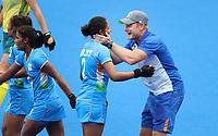TOKIO - Vreugde bij coach Sjoerd Marijne (IND)  en Gurjit Kaur (IND) , de maker van het doelpunt,   na de hockeywedstrijd in de kwartfinale wedstrijd dames , Australie-India (0-1),   tijdens de Olympische Spelen van Tokio 2020. India plaats zich voor de halve finale.  COPYRIGHT KOEN SUYK