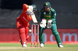 Cape Town-181006- Zimbabwean  batsman Sean Williams  batting against South Africa in the 3rd ODI match at Boland Park cricket stadium. .Photographer:Phando Jikelo/African News Agency(ANA)