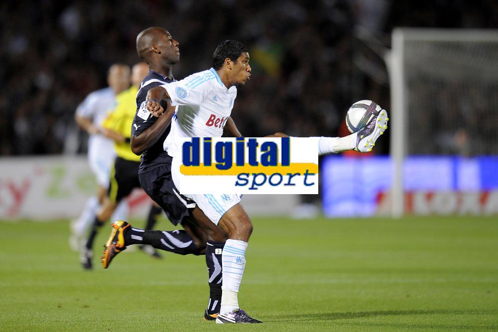 FOOTBALL - FRENCH CHAMPIONSHIP 2010/2011 - L1 - GIRONDINS BORDEAUX v OLYMPIQUE MARSEILLE - 29/08/2010 - PHOTO JEAN MARIE HERVIO / DPPI - BRANDAO (OM) / MICHAEL CIANI (GDB)