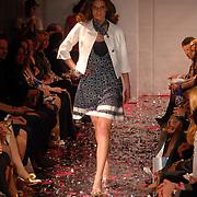 NLD/Amsterdam/20070324 - Modeshow Danie Bles 2007, model, mannequin, catwalk