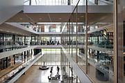 Nederland, Nijmegen, 23-10-2017Het Grotiusgebouw van de rechtenfaculteit, faculteit der Rechtsgeleerdheid, van de Radboud Universiteit Nijmegen op de campus Heijendaal. Onderwijsruimte en studieruimte, bibliotheek, en een collegezaal die de grootste collegezaal van de Radboud Universiteit is. ( 500 plaatsen).FOTO: FLIP FRANSSEN