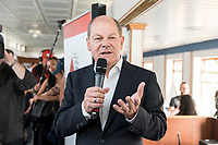 04 JUN 2019, BERLIN/GERMANY:<br /> Olaf Scholz, SPD, Bundesfinanzminister, Spargelfahrt des Seeheimer Kreises der SPD, Anleger Wannsee<br /> IMAGE: 20190604-01-161