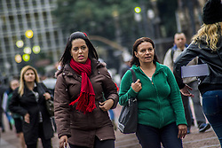 June 21, 2017 - SâO Paulo, São paulo, Brazil - SAO PAULO SP, SP 06/21/2017 CLIMATE TIME: Pedestrian faces cold in the old center of São Paulo. The winter officially began at 1.24 this Wednesday (21) and this year should be marked by irregular temperatures, with very high peaks Cold and hot days. The rains in the country, in general, should be between normal or below average. (Credit Image: © Cris Faga via ZUMA Wire)