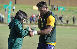 Cape Town 09082018-Springbok captain Siya Kolisi gets medical attention to his wrist at their practise session at the Acordian Park home of Belhar Rugby team for the upcoming 2018 Rugby Championship .Pic Noor Slamdien