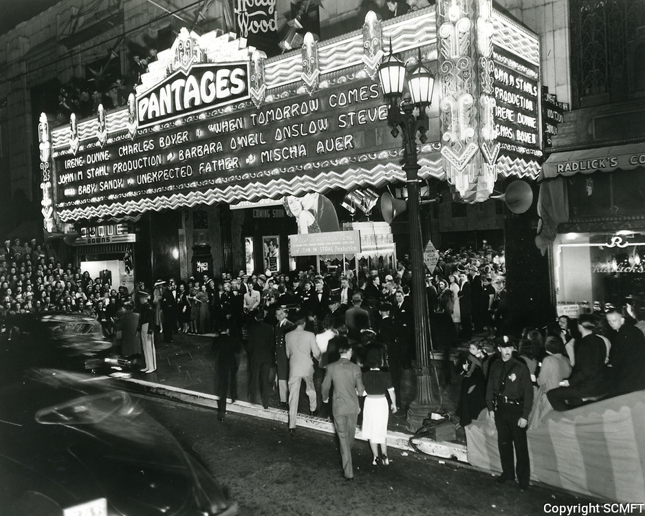 1939 Premiere night at The Pantages Theater