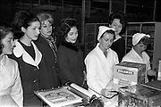 29/03/1963<br /> 03/29/1963<br /> 29 March 1963<br /> Fashion models visit Bolands Biscuit Factory at Deansgrange, Dublin. Models see the packaging process.