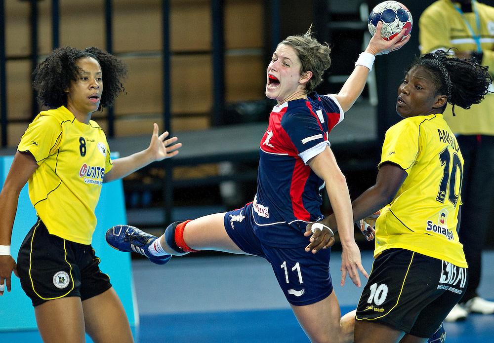 London Handball Cup - Great Bitain vs Angola -  Lyn Byl (GB)  .Almeida Neir Felipe (ANG), Isabel Fernandez (ANG)