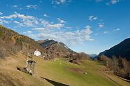 Farmhouse and pasture near Srednji vrh, above Kranjska Gora, Slovenia. Julian Alps Trail and Alpe Adria Trail © Rudolf Abraham