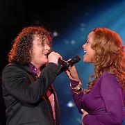 NLD/Weesp/20070311 - 1e Live uitzending Just the Two of Us, deelnemers, Syb van der Ploeg en Sonja Silva