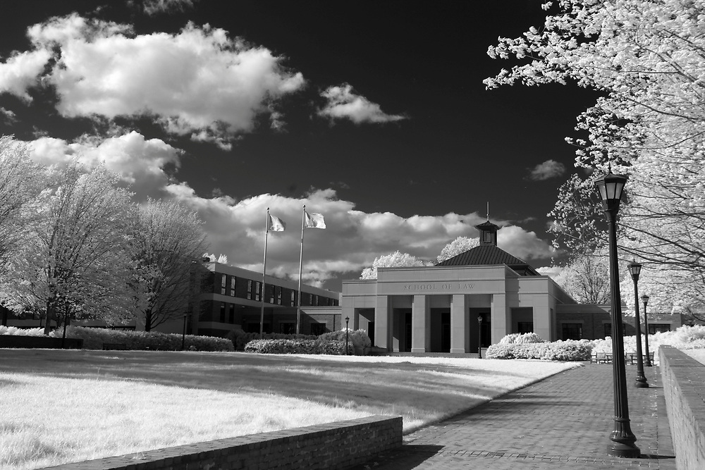 The Law School lawn at the University of Virginia in Charlottesville, Va. Photo/Andrew Shurtleff Photography, LLC