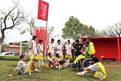 Lance da partida entre S.E.R. Mixto X Boleiros, na praça Antônio Cândido de Menezes, zona norte de Porto Alegre/RS. Foto: Marcos Nagelstein/ Agência Preview
