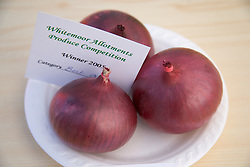 Prize winning red onions,