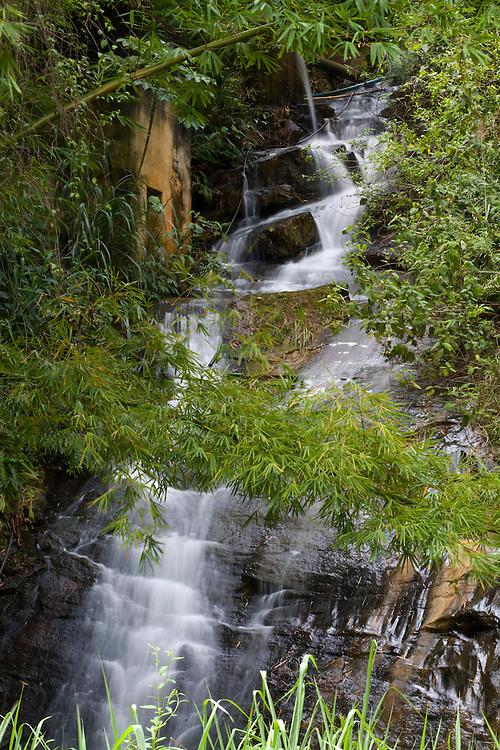 Conceicao do Castelo_ES, Brasil...Cachoeira da bica em Conceicao do Castelo...Bica waterfall in Conceicao do Castelo...Foto: LEO DRUMOND / NITRO