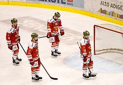 17.03.2017, Eiswelle, Bozen, ITA, EBEL, HCB Suedtirol Alperia vs UPC Vienna Capitals, Playoff, Halbfinale, 2. Spiel, im Bild Entäuschte HCB Suedtirol Spieler nach der 2:3 Niederlage in der Over Time // during the Erste Bank Icehockey League, playoff semifinal 2nd match between HCB Suedtirol Alperia and UPC Vienna Capitals at the Eiswelle in Bozen, Italy on 2017/03/17. EXPA Pictures © 2017, PhotoCredit: EXPA/ Johann Groder
