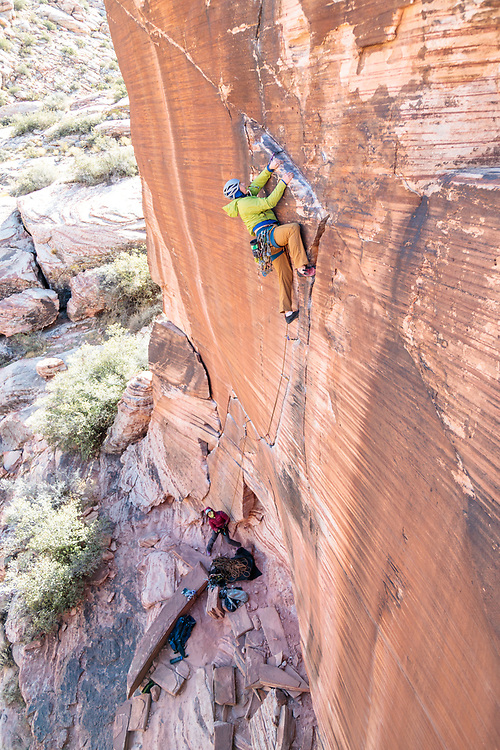 Will Foster leading Yin and Yang, 5.11a in Calico Basin, Red Rock Canyon, Las Vegas, Nevada