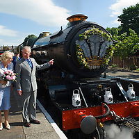 """Bridgnorth Worcester  The Prince of Wales and the Duchess of Cornwall visit the Severn Valley Railway travelling the full lenght by Royal Train  hauled by a GWR """"King"""" Class Steam Locomotive n 6024 King Edward Ist"""