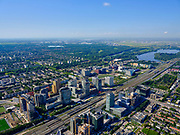 Nederland, Noord-Holland, Amsterdam, 02-09-2020; Amsterdam-Zuid, Zuid-as met ring A10. Gezien naar Buitenveldert, Nieuwe Meer en Schiphol in het verschiet.<br /> Amsterdam-Zuid, Zuid-as with ring A10. Seen to Buitenveldert, Nieuwe Meer and Schiphol.<br /> <br /> luchtfoto (toeslag op standard tarieven);<br /> aerial photo (additional fee required);<br /> copyright foto/photo Siebe Swart