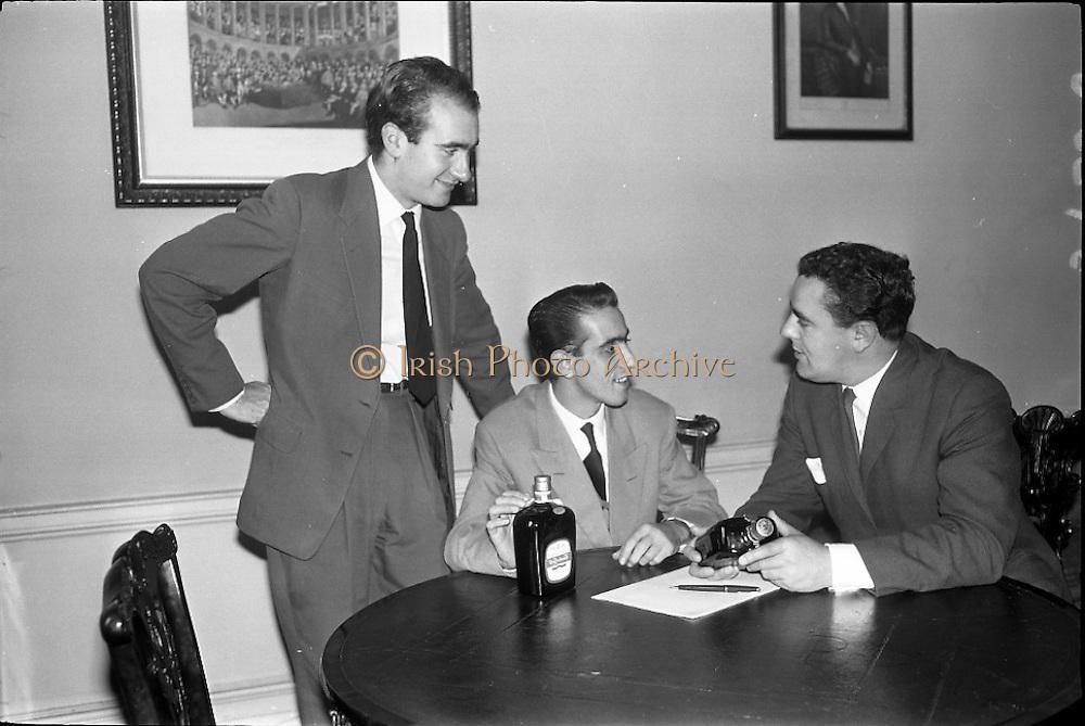 22/10/1963<br /> 10/22/1963<br /> 22 October 1963<br /> Italian order for Gilbey's Wine Merchants. (l-r) Signor Joseph Mario Piccioni; Signor Ugo Ciranni and Mr Mr. David I. Dand, Sales Director and Joint Managing Director of Gilbeys of Ireland. Accordo commerciale italiano con la Gilbey's.
