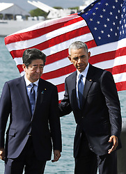 "US-Präsident Barack Obama und Japans Premier Shinzo Abe beim Gedenken an die Opfer des japanischen Angriffs auf Pearl Harbor vor 75 Jahren / 271216<br /> <br /> <br /> <br /> ***Japanese Prime Minister Shinzo Abe (L) and U.S. President Barack Obama complete their speeches at Pearl Harbor in Hawaii on Dec. 27, 2016. Abe offered his ""sincere and everlasting condolences"" for those who died in the Japanese attack there in 1941.***"