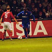 NLD/Alkmaar/20051124 - Voetbal, AZ - Middlesborough, Tim de Cler en Jimmy Hasselbaink